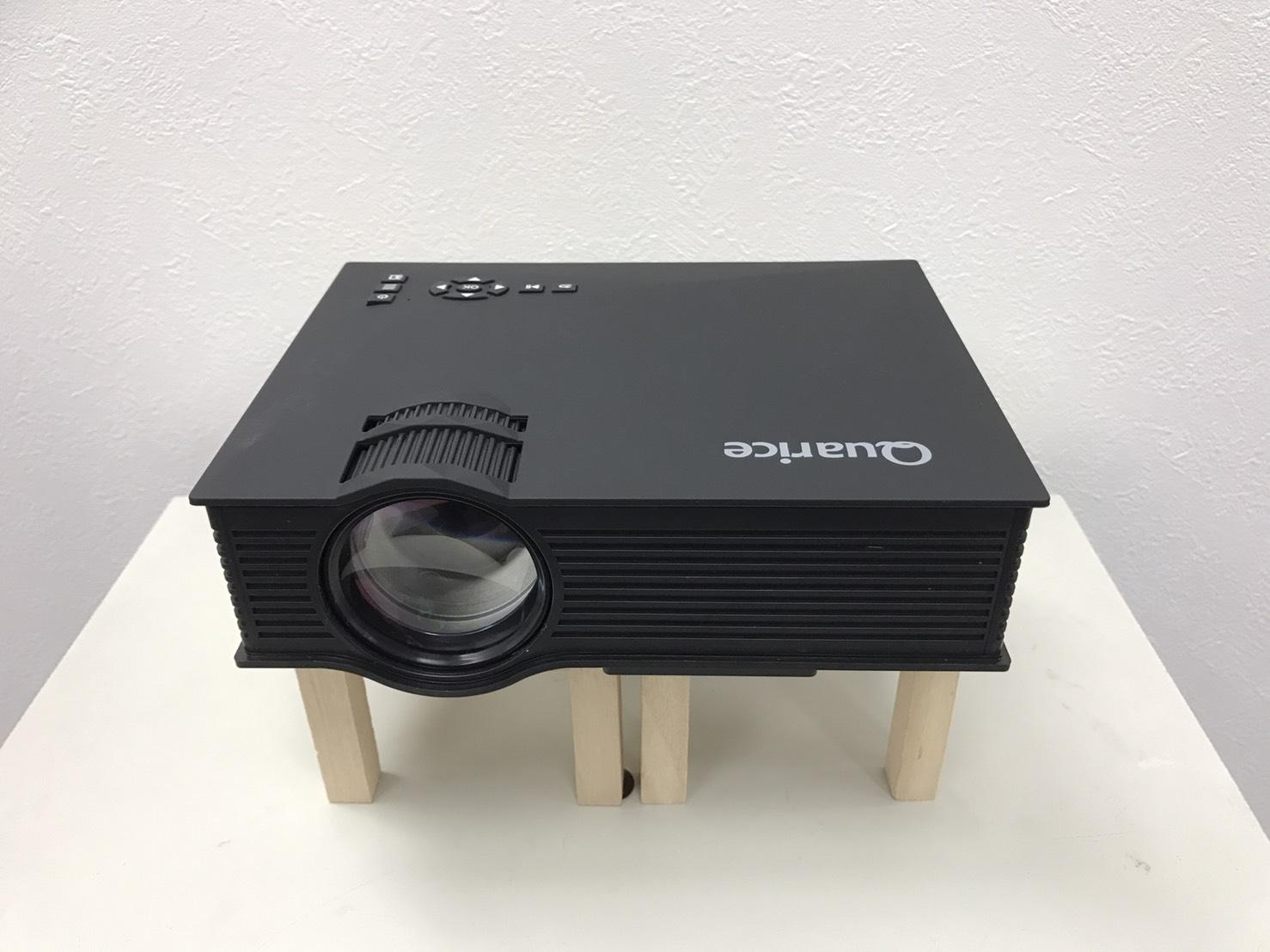 №74 Quarice ミニLED プロジェクター (Wi-fi機能) UC46